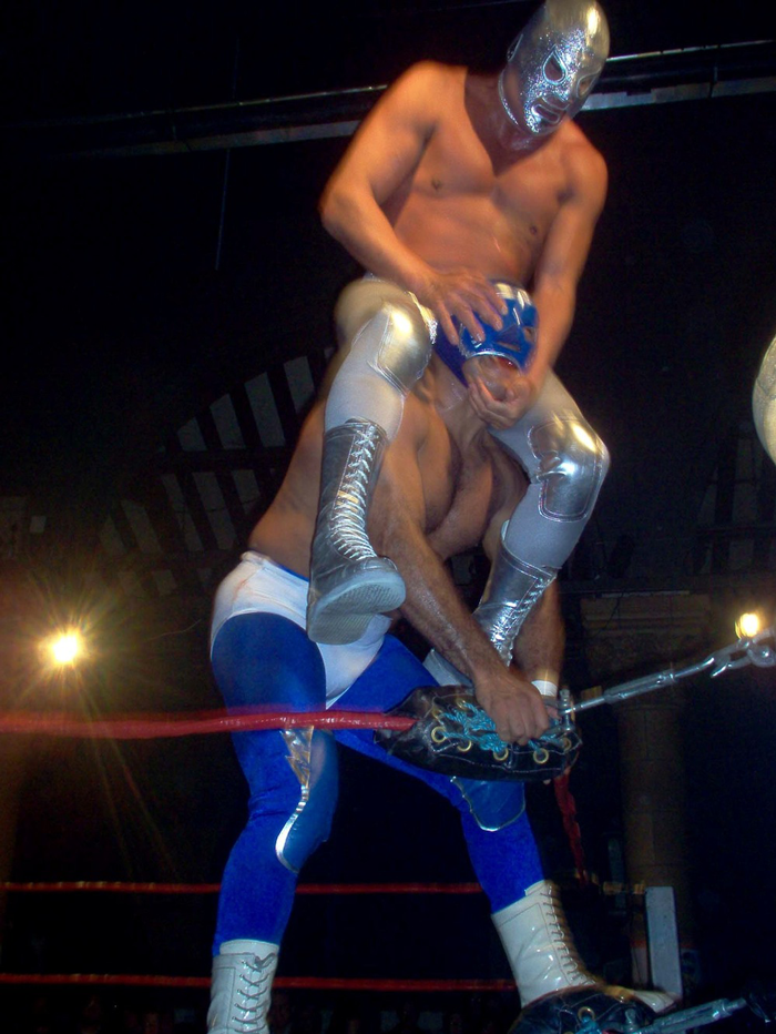 Arena Mexico, Essex University, UK 2004