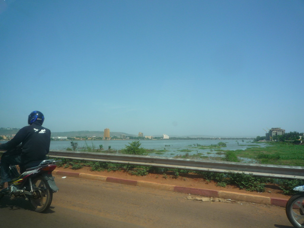 Le Niger: my every day crossing... (salve as aguas da minha mae Oxum...)